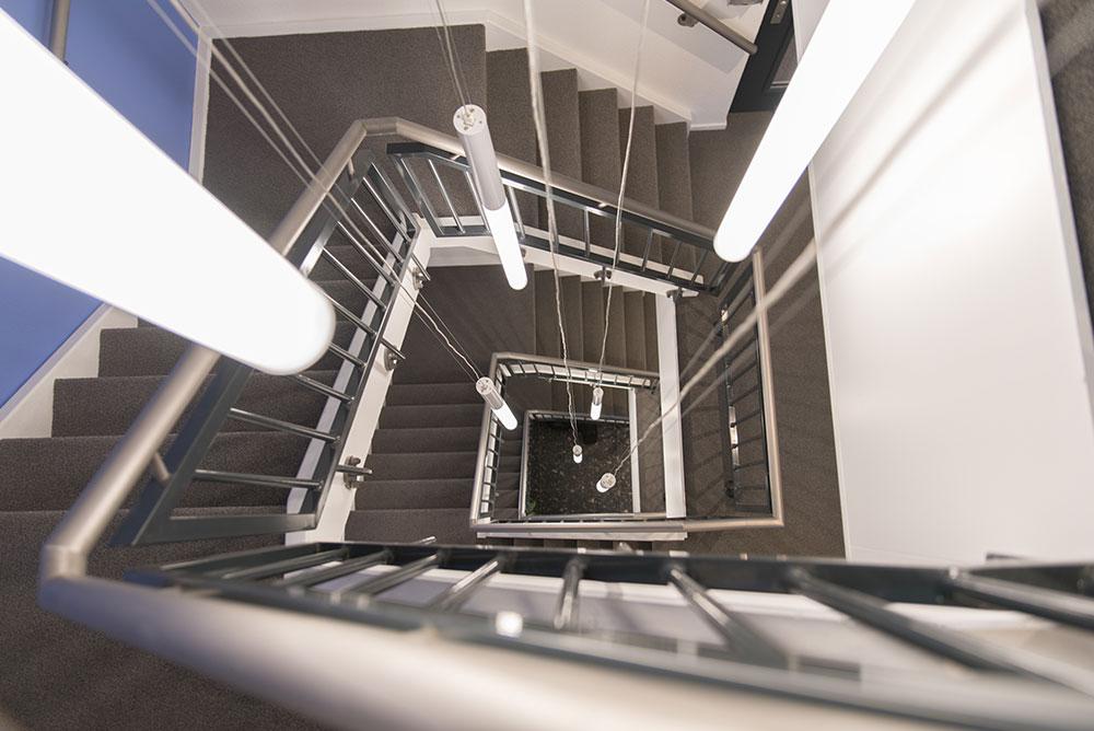 belcanto_bellini_puccini_01_trappenhuis_verlichting_lichtplan_maaq_design_build