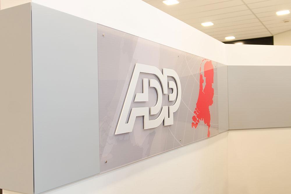 adp_02_signing_logo_maaq_design_build
