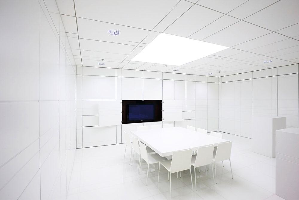 bolidt_filmzaal_01_inbouw_meubel_lijnenspel_maaq_design_build