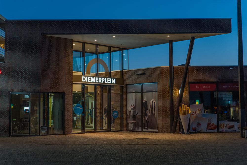 diemerplein_07_winkelcentrum_signing_verlichting_maaq_design_build