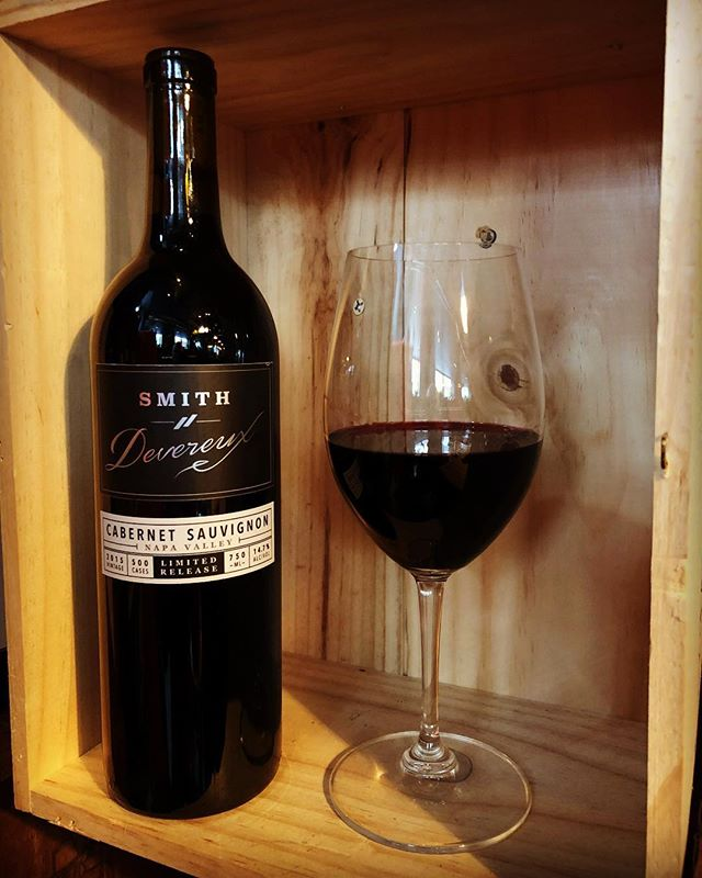 This Wednesday, we're showcasing a limited release (only 500 cases made!)— Smith Devereux Cabernet Sauvignon 2015. This wine is a classic representation of Napa Valley and aged in French oak. Your palate will enjoy aromas of black cherry, currant and toasty vanilla. Cheers! . . . .  #wineoftheweek #winetime #westloop #chigram #topchicagorestaurants #winedownwednesday #winenot  #warmupwithwine #cabernet #napavalley #napavalleywine #cabernetsauvignon #smithdevereuxwines