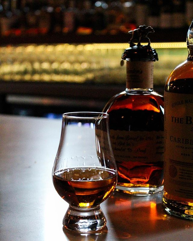 What's a good Wednesday without some whiskey? We're offering half off whiskey pours, all night . . . . #chicagoeats #eeeeeats #westloop #chigram #infatuationchi #topchicagorestaurants #eaterchicago #westloopisthebestloop #zagat #foodie #eatingfortheinsta #classiccocktails #happyhour #whiskey