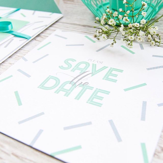 We love our stylish and modern scattered confetti collection 💚💚
