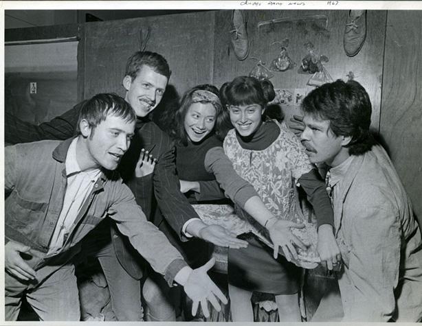 L-R: Karl Wirsum, Art Green, Gladys Nilsson, Suellen Rocca, Jim Nutt, 1967 (Photo by Charles Krejcsi)