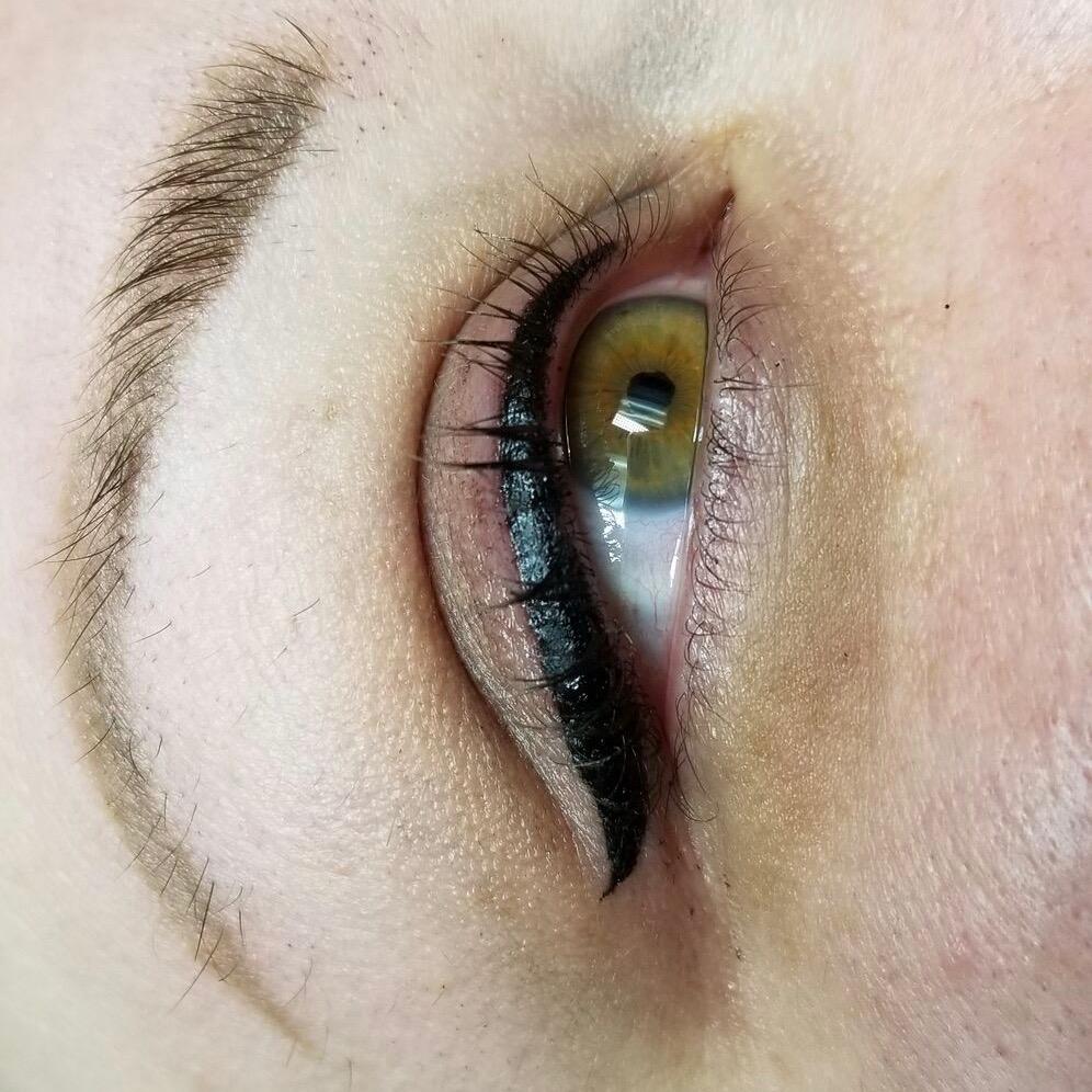 classic eyeliner web.jpg