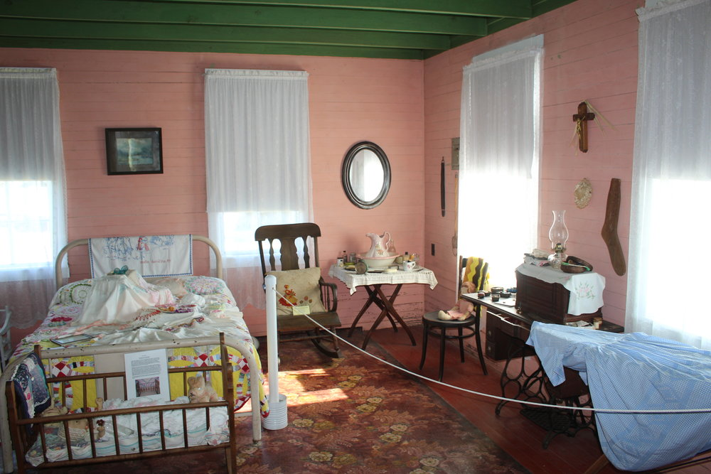 20.Hluchanek-Salas House interior2.jpg