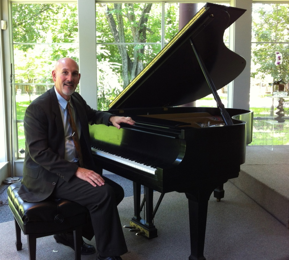 Professor John Dujka will perform at the Valentine Dinner & Concert on Feb. 10.