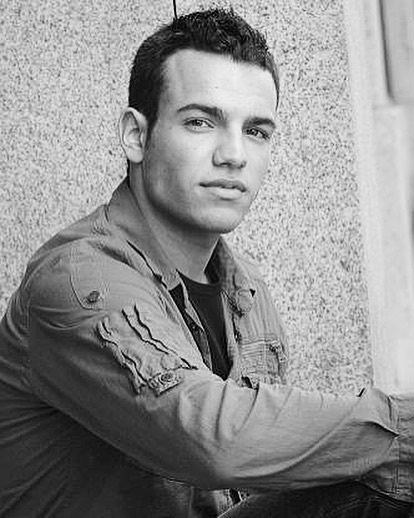 """Fashionably late! My very first head shot circa 2005. Someone approached me while in Vancouver studying at university and said """"you should get an agent""""... and I was like """"🤷🏽♂️ ... sure, why not!?"""" #oldheadshotday"""