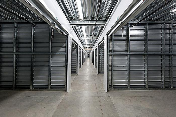 storageinteriorc_700.jpg