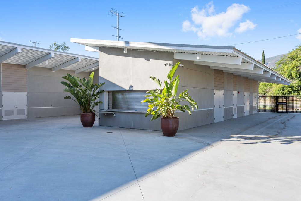 13445_Glenoaks_Blvd_MLS_HID1141917_ROOM16.jpg