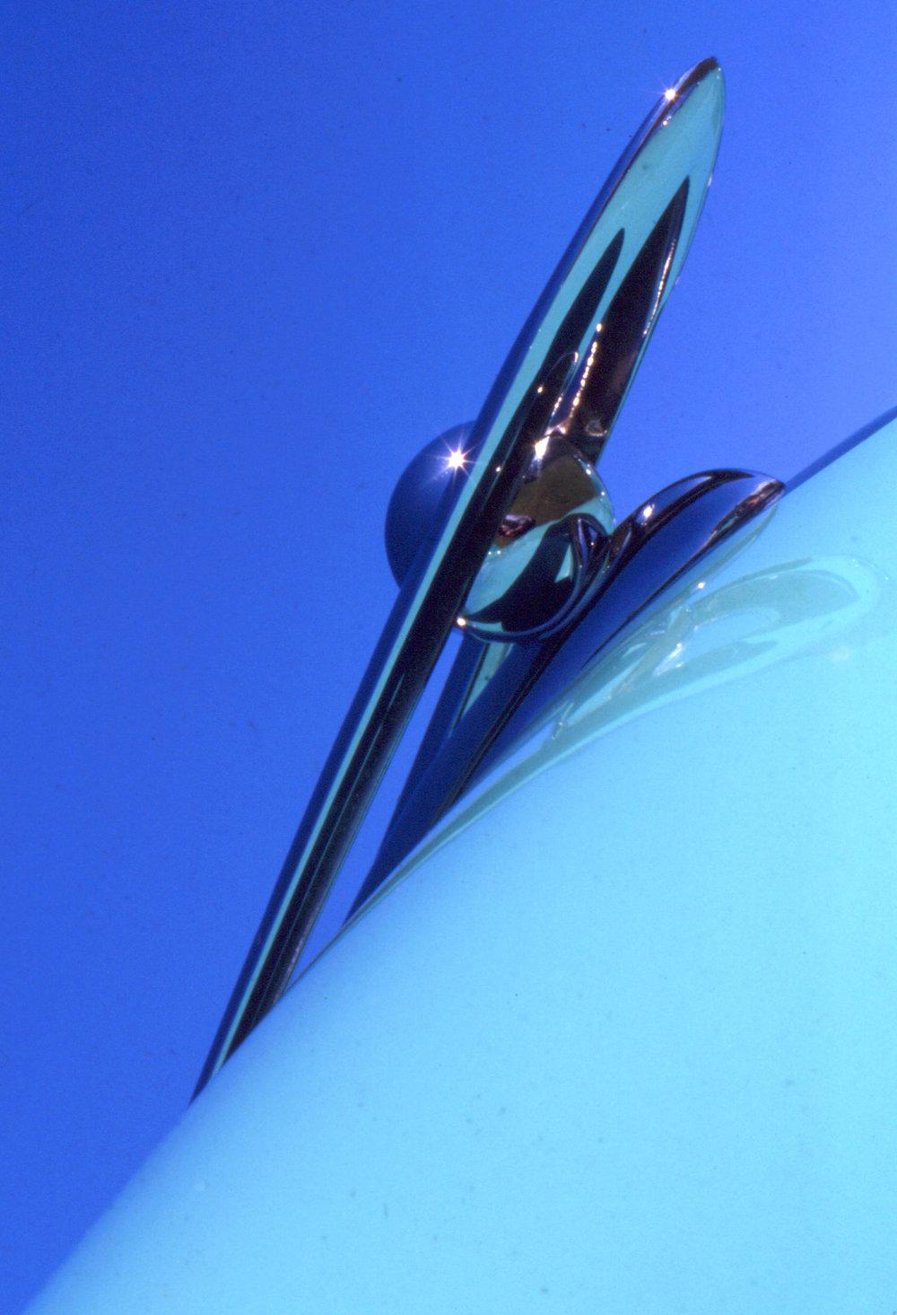 ss-cars-bluesky_hood.jpg