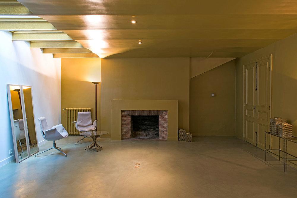 Salon cheminée, vue 2.