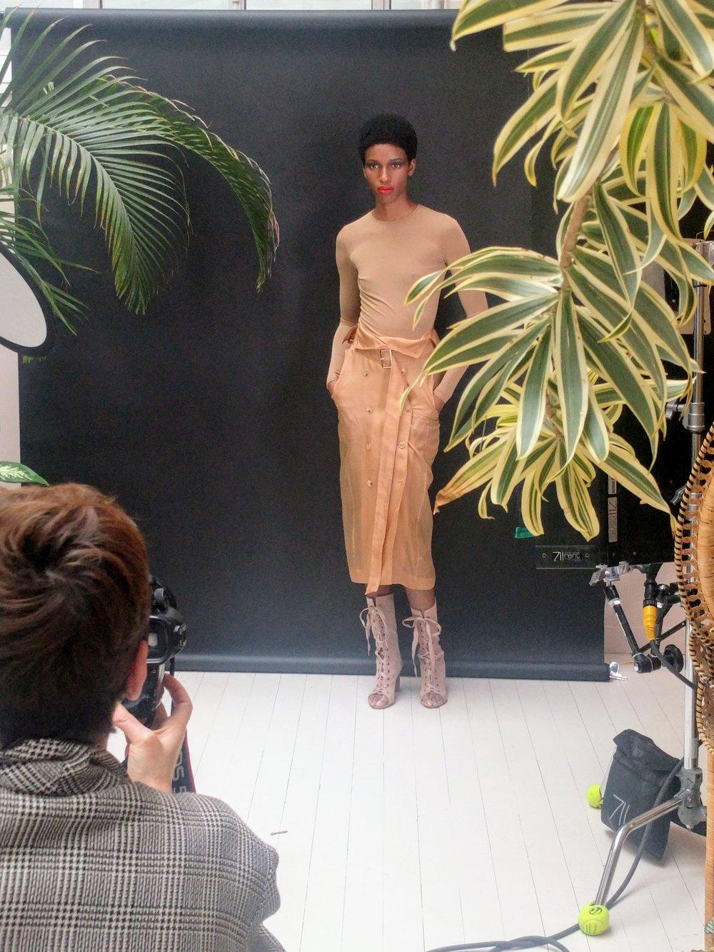 - ....Shooting par Cécile Bortoletti pour Harper's Bazaar Pays-Bas..Photoshoot by Cécile Bortoletti for Harper's Bazaar Netherlands....