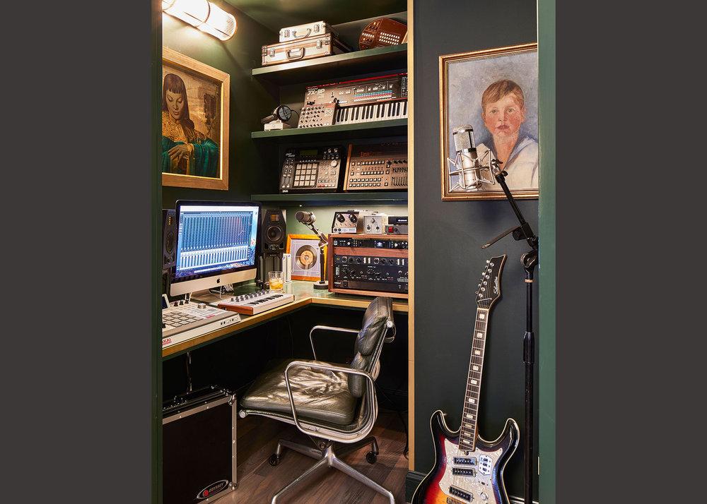 01-Studio.jpg