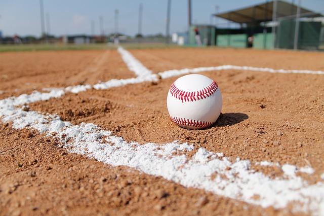 baseball-field-1563858_640 (1).jpg