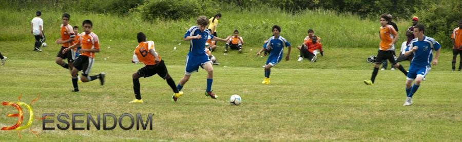 Uno De Los Nuestros Jugando Futbol Con Suenos De Un Mundial En Un