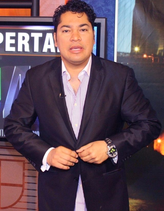 TV Personality & Telemundo Employee Frederick Martínez El Pachá Assaults Another Woman on Television
