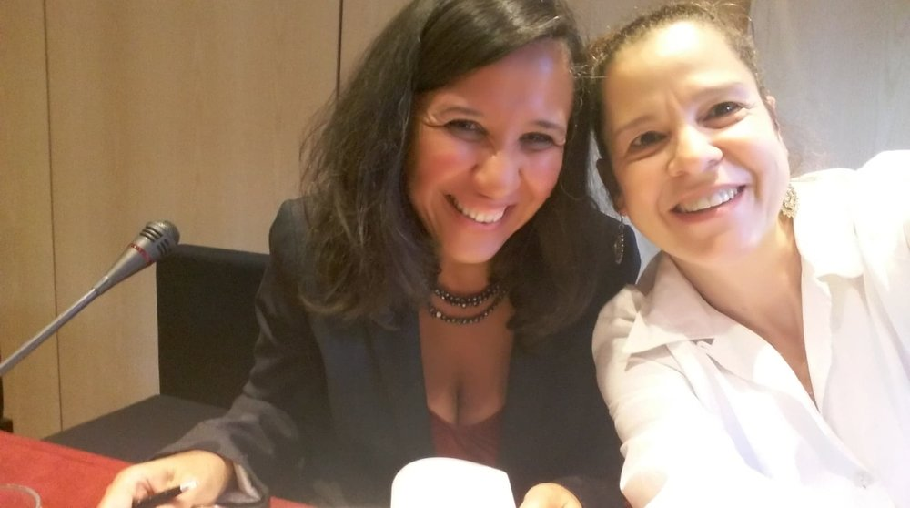 Sophie Mariñez con la actríz dominicana Oleka Fernández.