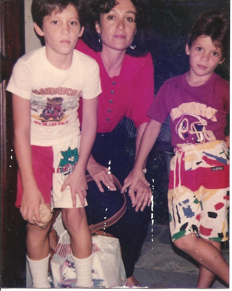 Mauro, Juan Miguel Bisso Azcárate y Azcárate en la casa de Awilda Palau. 1989.