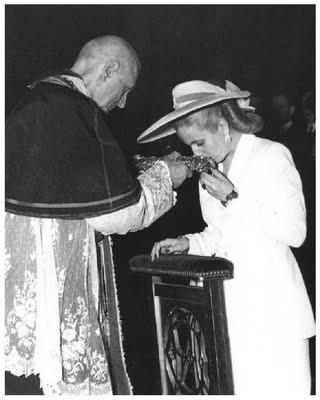 Eva Duarte de Perón en El Vaticano, 1947.