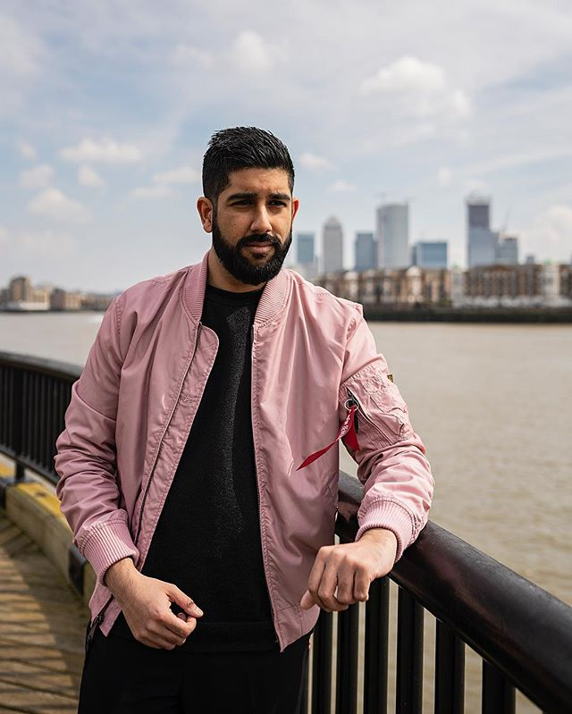 Feels like winter looks like summer. Never received so many compliments for this jacket alone. Wearing @alphaindustries  Photography @antonjwelcome  Edit @styleandstylus  #alphaindustries #militaryjacket #flightjacket #pink ——————————————— #lfwm #lfw #dapper #pinkjacket #menwithstyle #streetstyle #style #sartorial #gentlemen #attire #outfit #endoftheweek #sunday #sundaybest #bomberjacket #sikh #indian #stylish #lifestyle #prettyinpink #bokeh #photography #menwithclass