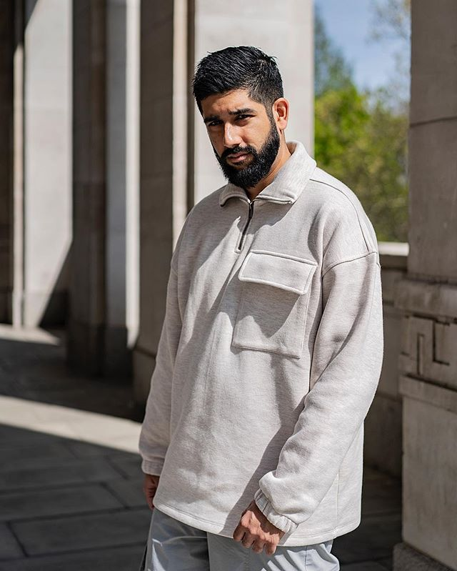 AD | Oversized fits and great light. Wearing @asos  Photography @antonjwelcome  Edit @styleandstylus  #asos #asseenonme #lightplay #shadowplay ——————————————— #lfwm #lfw #dapper #combattrousers #menwithstyle #streetstyle #style #sartorial #gentlemen #attire #outfit #tuesday #london #sikh #indian #stylish #lifestyle #oversizedfit #bokeh #photography #streetwear