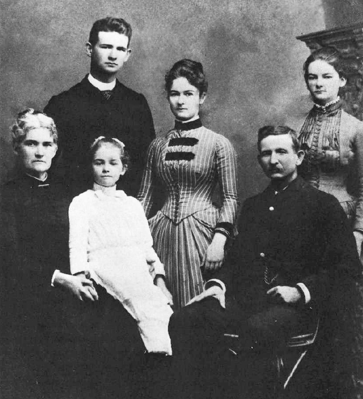 Samuel T. Alexander with his family; Annie on the far right. Courtesy of Alexander & Baldwin, Inc.