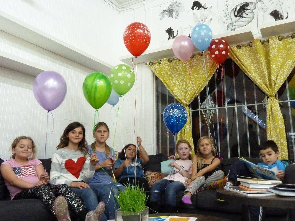 Children enjoying birthday party at the dancing cat san jose