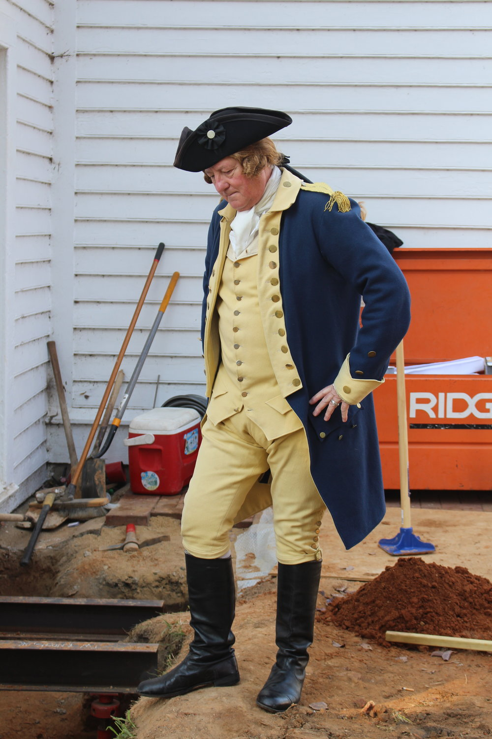 Colonel Washington inspects the progress