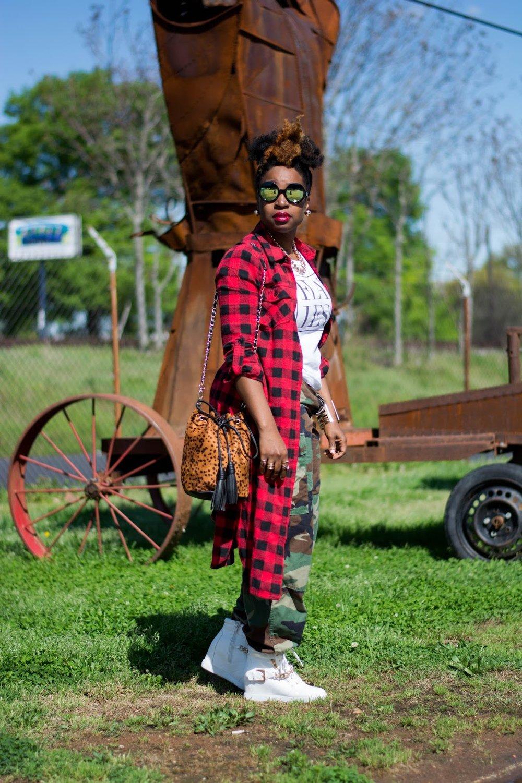 Atlanta bloggers, Atlanta style blogger, Style blogger, Atlanta stylist, Mixed prints, Red flannel duster, Army fatigue, Forever21, JustFab sneakers, Street style, Street fashion, Black bloggers, Black girls rocks, Black girls killing it