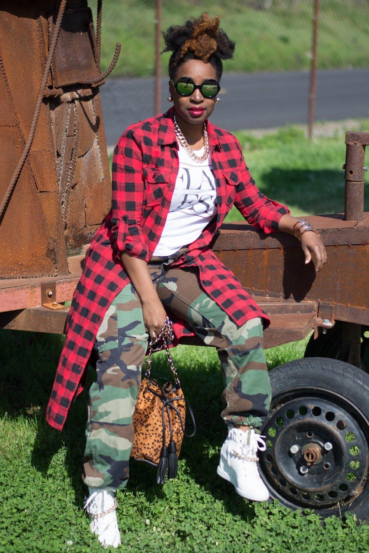 Atlanta bloggers, Atlanta style blogger, Style blogger, Atlanta stylist, Mixed prints, Red flannel duster, Army fatigue, Forever21, JustFab sneakers, Street style, Street fashion, Black bloggers, Black girls rocks, Black girls killing it, Bucket bag