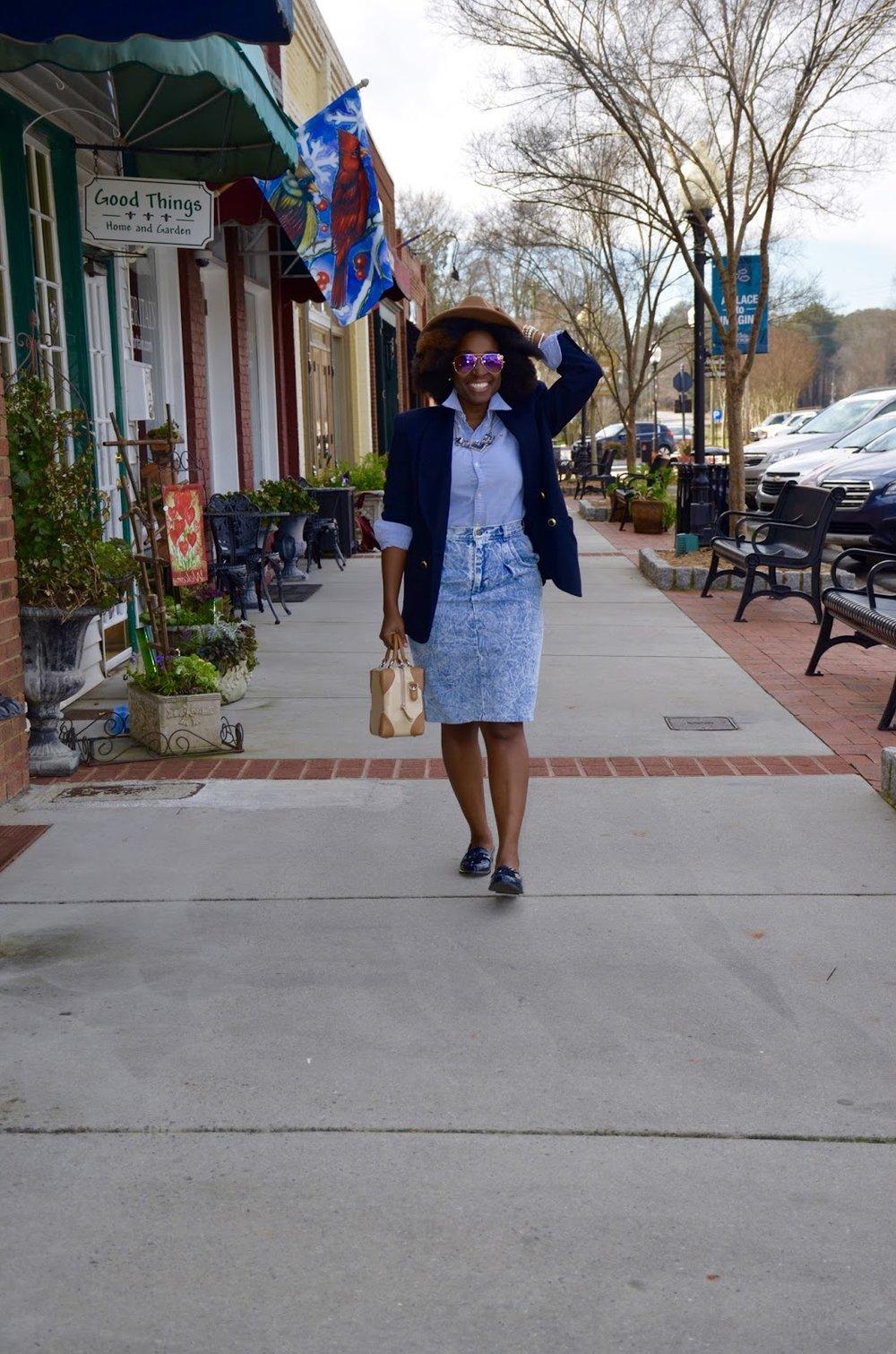 Atlanta blogger, Atlanta style blogger, style blogger, black blogger, vintage stone wash skirt, vintage style, vintage blazer, blue oxfords, street style, street fashion, black girls killing it, retro look, trendy looks