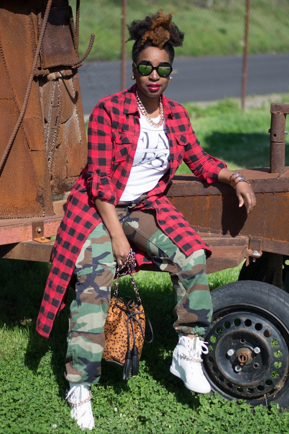 Atlanta bloggers, Atlanta style blogger, Style blogger, Atlanta stylist, Mixed prints, Red flannel duster, Army fatigue, Forever21, JustFab sneakers, Street style, Street fashion, Black bloggers, Black girls rocks, Black girls killing it, Bucket bag