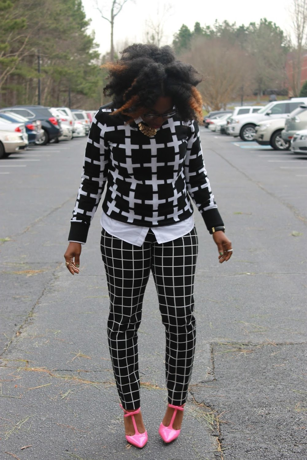 Atlanta style blogger, style blogger, Atlanta blogger, street style, black blogger, black and white, windowpane print, checkered print, mixed prints, pink shoes, ShoeDazzle,, Target Style, Old Navy, Naturals Rock, Work wear, Stylist