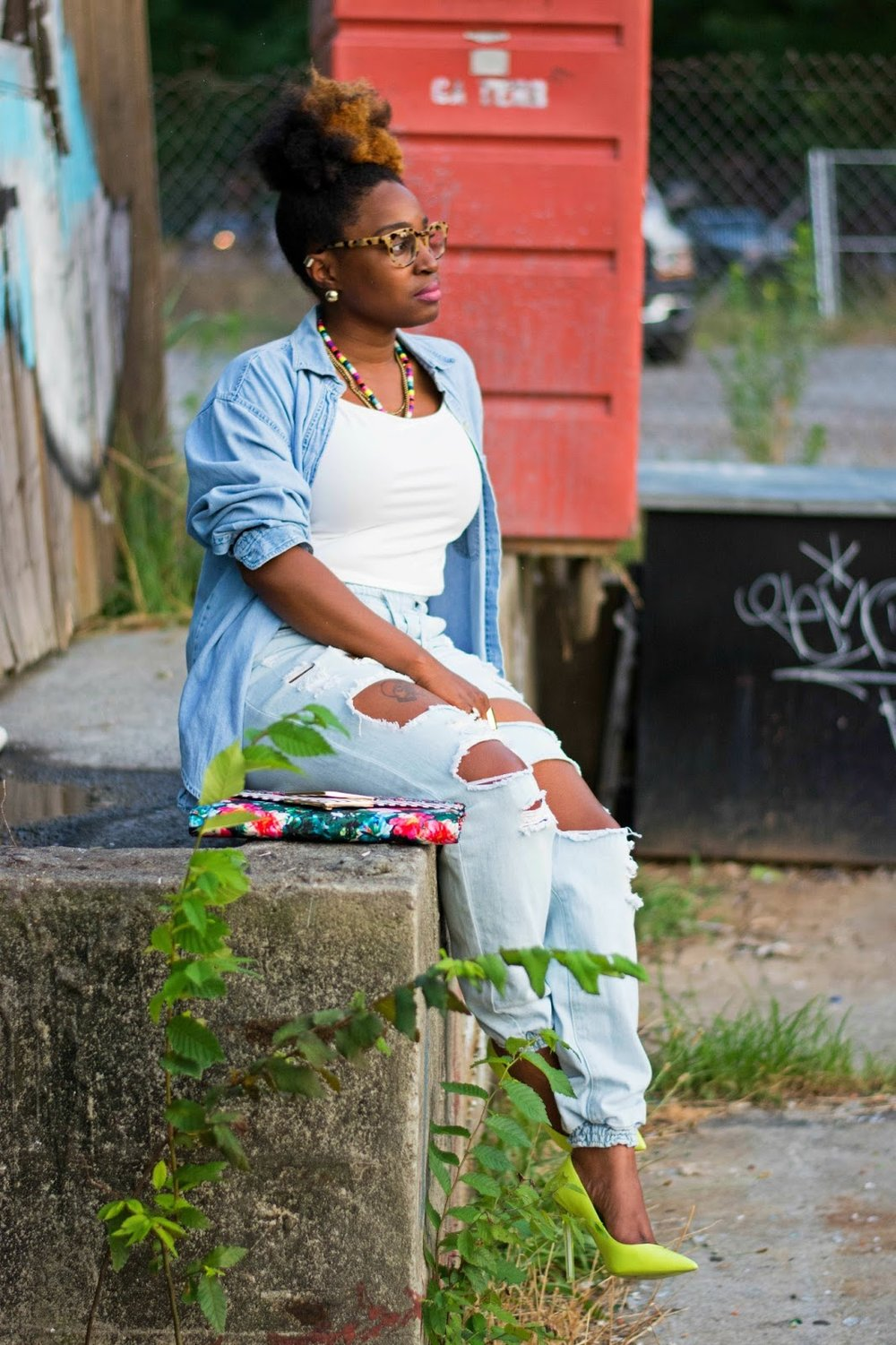 Atlanta blogger, Atlanta style, Style blogger, Atlanta stylist, Street style, Distressed denim, Denim on denim, Aldo clutch, thrifted fashion, Thrifting Atlanta, Mixed prints, Yellow pumps, Plato's closet Duluth, Oversized shirt, Natural girls, Stylist, Crop top, Summer trends, Black bloggers, Black style bloggers, Black girls rock, Black girl magic, Melodie Stewart, Black girls killing it