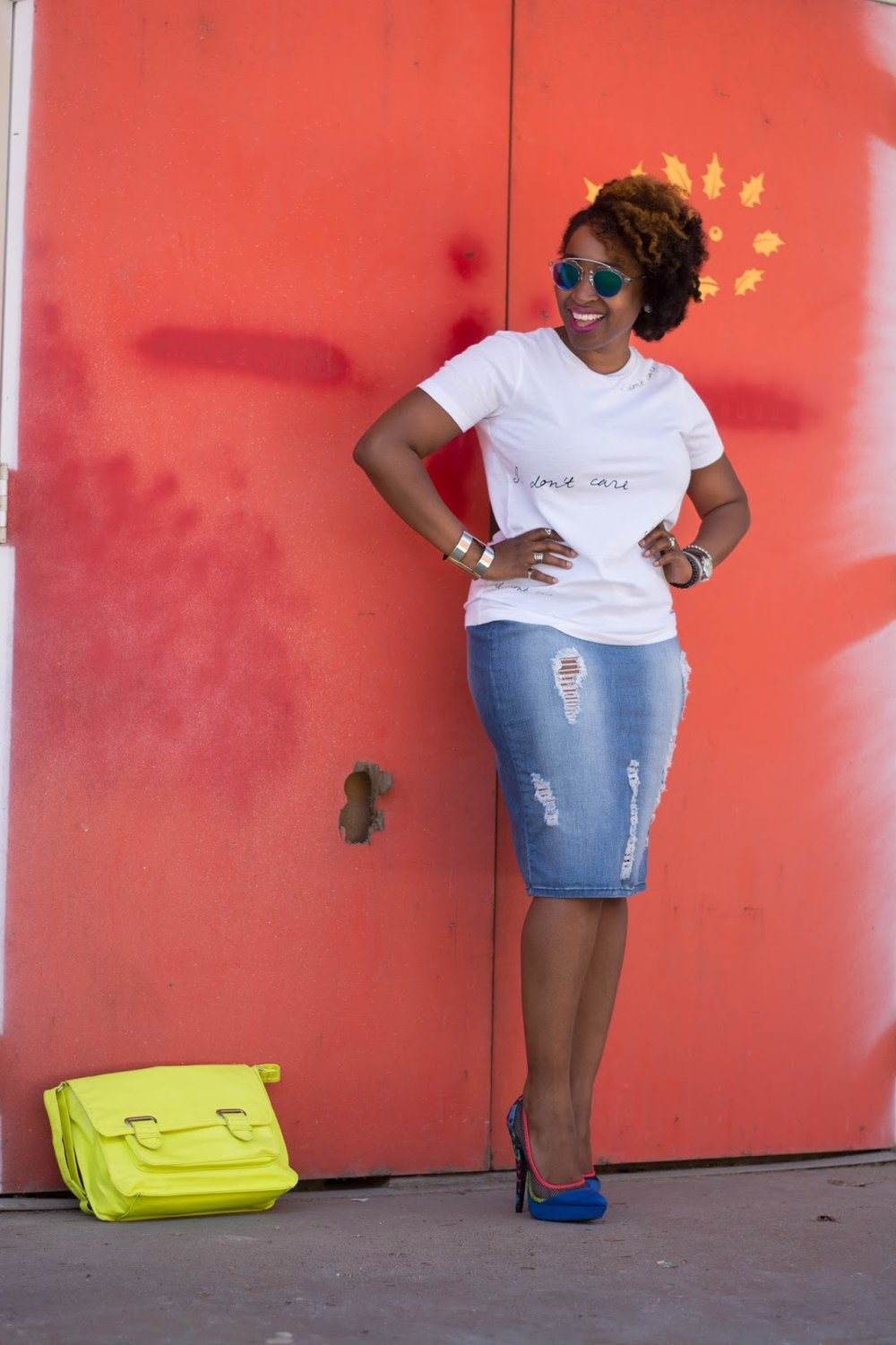 Atlanta stylist, Atlanta blogger, Fashion blogger, Atlanta style, Street style, Black bloggers, Brown bloggers, Atlanta fashion, Distressed denim, white T, mirrored glassed, natural hair, 4c hair style, thrifted fashion, mixed print shoes, yellow handbag, black girls killing it