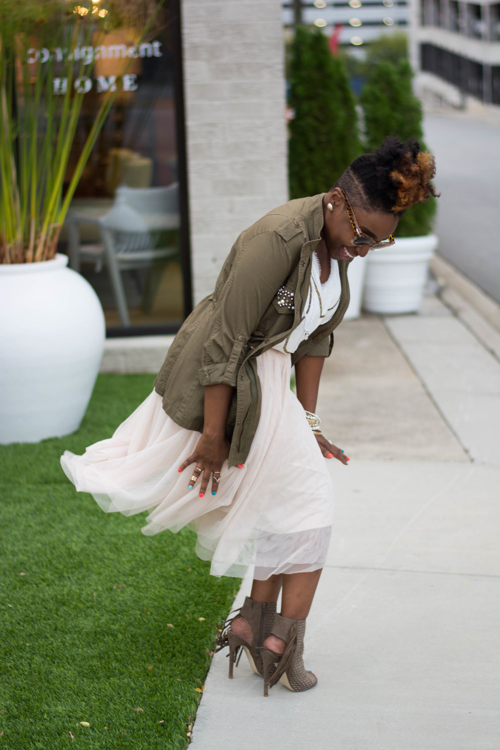 The Style Klazit, Melodie Stewart, Atlanta Style blogger, Atlanta Stylist, Tulle skirt, Fall fashion, Cargo jacket