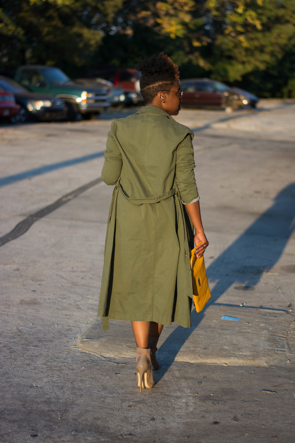 Melodie Stewart, The Style Klazit, Atlanta style blogger, Atlanta stylist, Justfab, Trench coat, distressed skirt