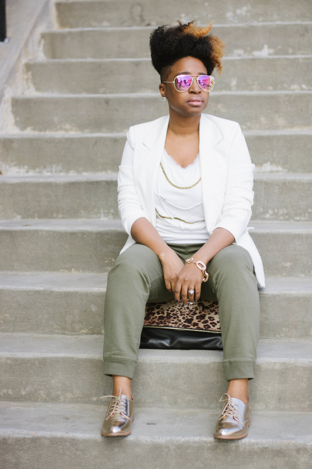 Melodie Stewart, The Style Klazit, Atlanta style blogger, Atlanta wardrobe stylist, JustFab gold oxfords, green sweatpants, Atlanta street style, cream blazer