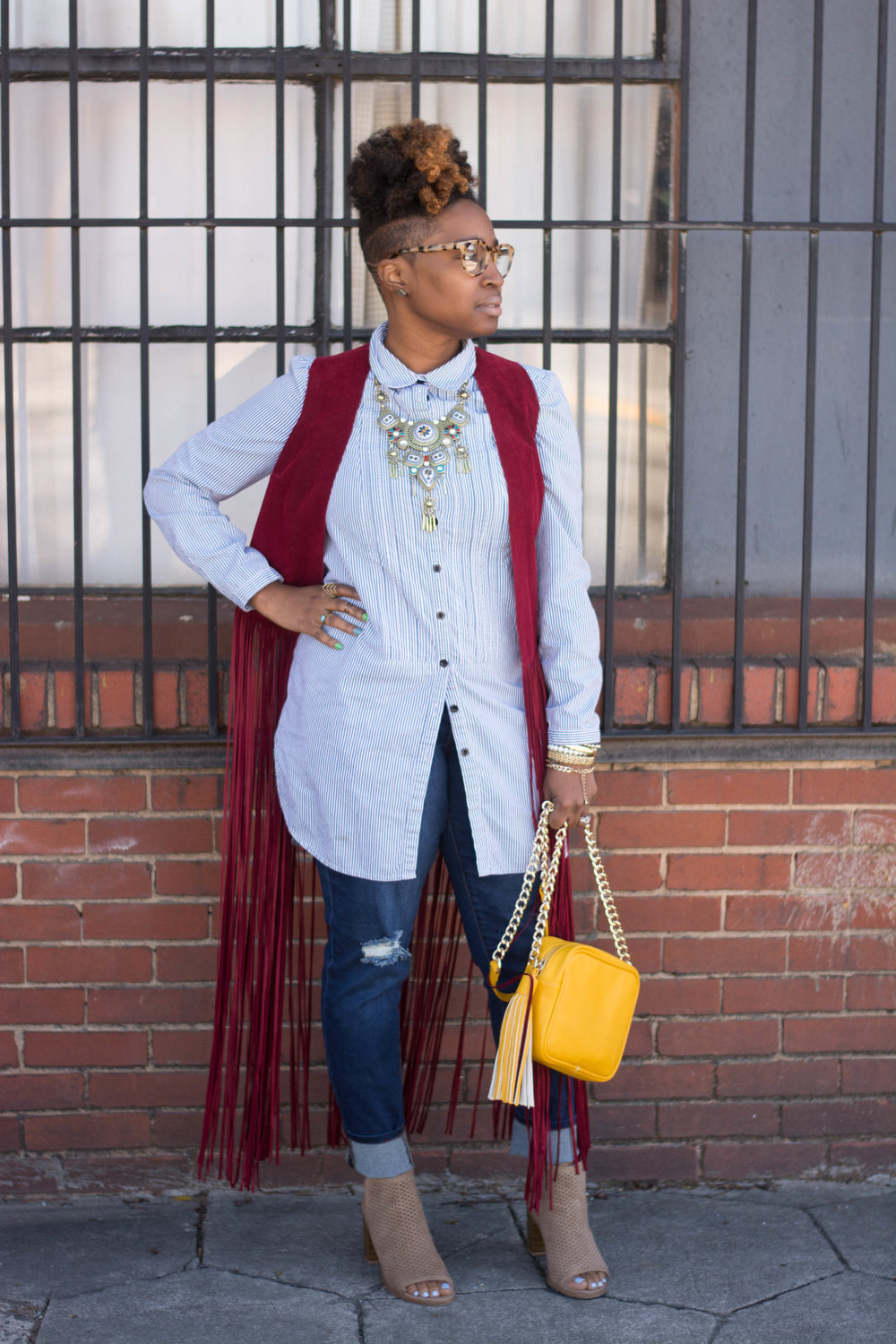 Melodie Stewart, The Style Klazit, Atlanta style blogger, Atlanta wardrobe stylist, Fringe vest, Justfab distressed denim, Shoedazzle marigold crossbody