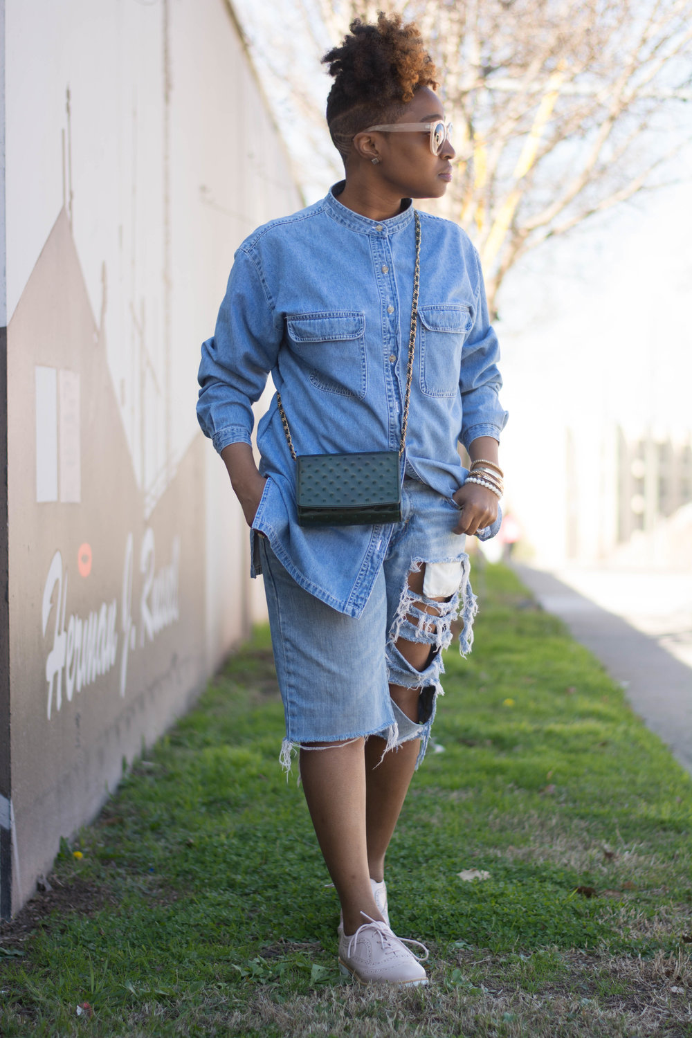 The Style Klazit, Melodie Stewart, Atlanta Style blogger, Denim on Denim, Justfab blush oxford, Atlanta StreetStyle