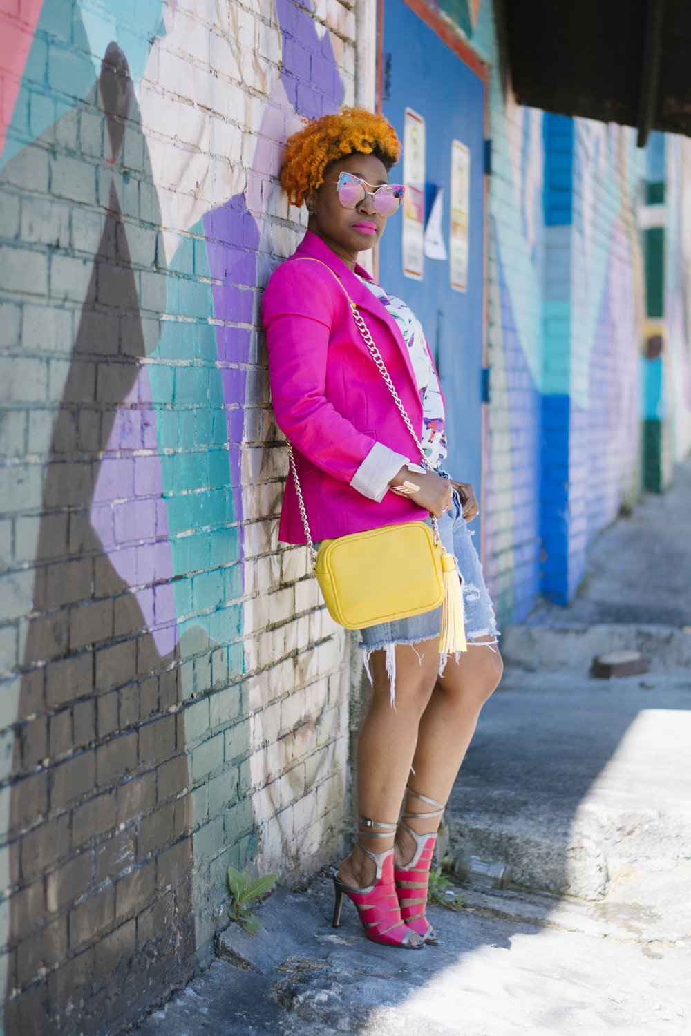 Melodie Stewart, The Style Klazit, Atlanta Style Blogger, Hot pink blazer, ripped jeans, street style
