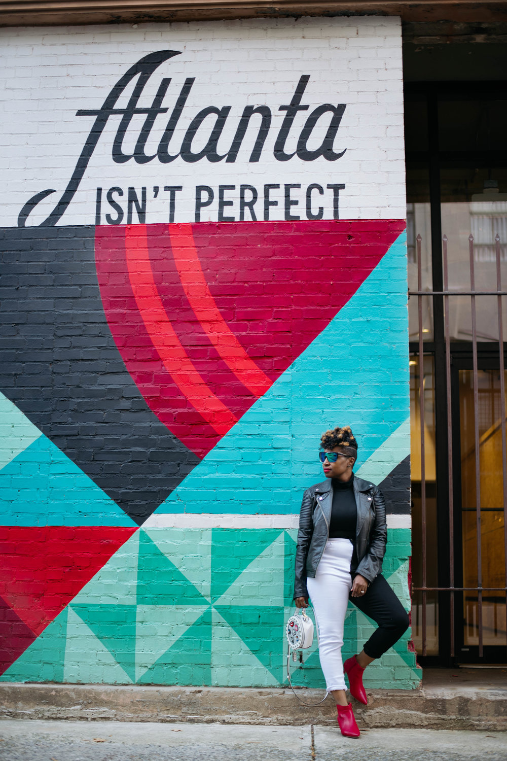 Monochrome Mom Jeans, Top Atlanta blogger, Atlanta Personal Stylist