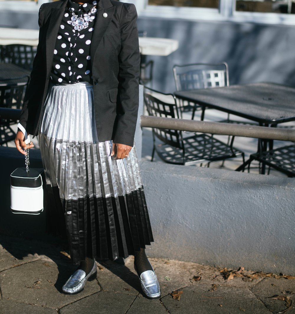 black and white street style_melodiestewart.com3.jpg