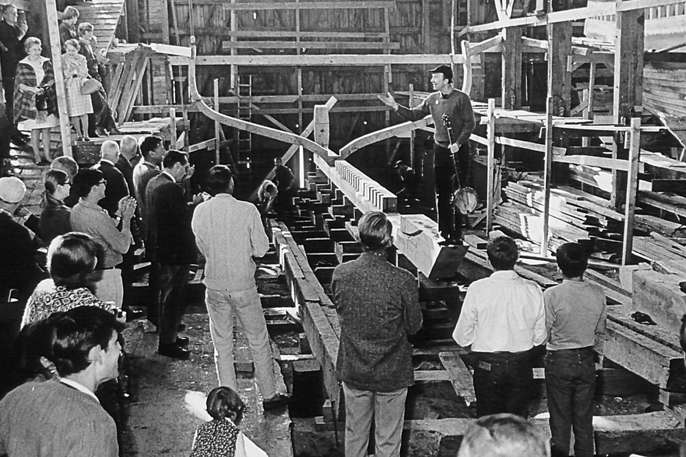 Pete Seeger leads the keel laying ceremony on Oct. 18, 1968. Photo courtesy of Clearwater.