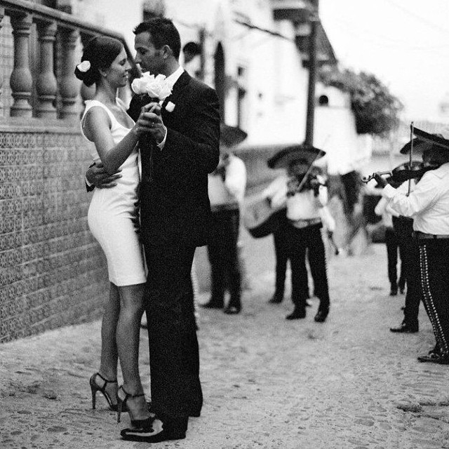 #WeddingWednesday: Enjoy your first dance as man and wife to the romantic tunes of a mariachi band. . . . . . #Wedding #WeddingInspiration #DestinationWedding #VisitMexico #PuertoVallarta #LovePV