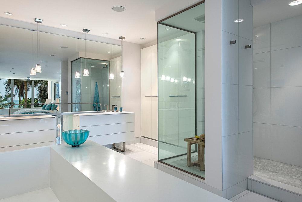 4301 Gulf Shore Blvd N 201-large-007-5-master bath-1497x1000-72dpi.jpg