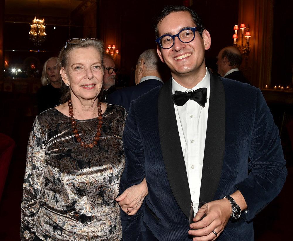 Harriet Stella, Peter Stella