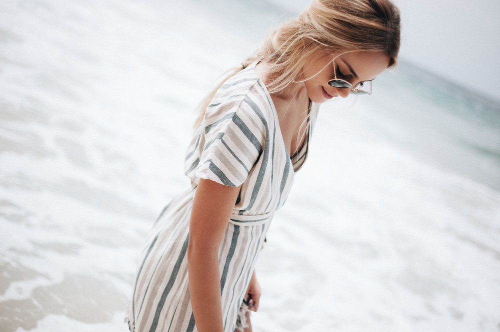 https://www.tularosa.com/collections/dresses/products/didion-dress-la-rochelle-stripe