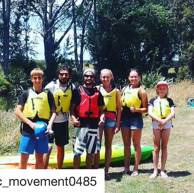 Throw back to Summer Backpacker Season 17/18..... #summerscoming #backpacker #onlymarlborough #3043duncannon  Already taking bookings, we can't wait!  #Repost @static_movement0485 with @get_repost ・・・ Kayaking for breakfast ;)
